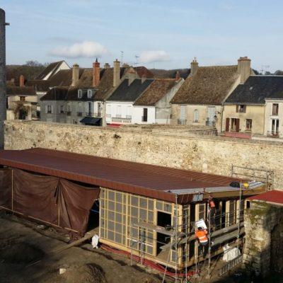 Pose de la toiture © Musée du château de Dourdan